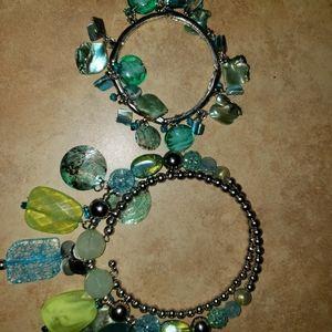 Beautiful fashion jewelry necklace and bracelet